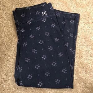 Abercrombie and Fitch pattern leggings